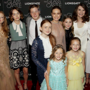 Meet The Newcomers From The Glass Castle Cast