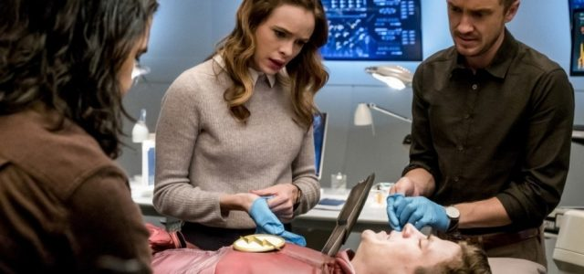 "The Flash Season 3 Episode 15 – ""The Wrath of Savitar"" Review"