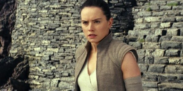 New Star Wars: The Last Jedi Images Land
